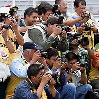 Toluca, Méx.- Fotografos de prensa al inicio del partido entre Toluca y Atlas en el torneo de apertura del futbol mexicano. Agencia MVT / Mario Vazquez de la Torre. (DIGITAL)<br /> <br /> NO ARCHIVAR - NO ARCHIVE