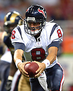 Houston Texans quarterback David Carr in action against St. Louis at the Edward Jones Dome in St. Louis, Missouri, August 19, 2006.  The Texans beat the Rams 27-20.