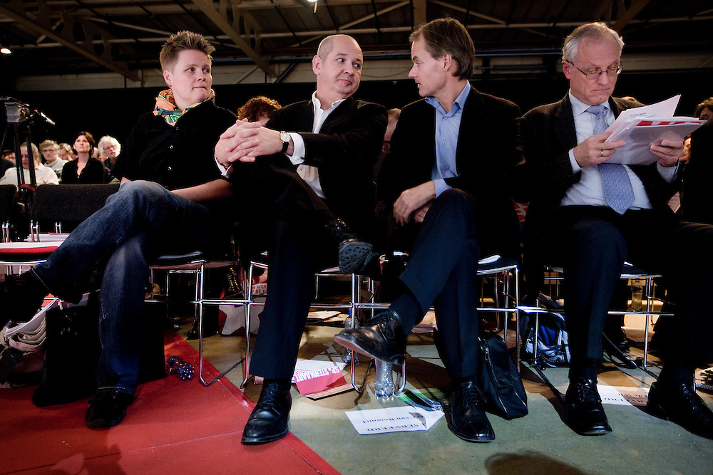 Nederland. Rottedam, 24 november 2007.<br /> De Socialistische Partij congresseert in de Van Nelle Ontwerpfabriek.  Jan Marijnissen is herkozen tot partijvoorzitter. V.l.n.r : Krista van Velzen, Jan marijnissen, Harry van Bommel en Jan de Wit.<br /> Foto Martijn Beekman <br /> NIET VOOR TROUW, AD, TELEGRAAF, NRC EN HET PAROOL