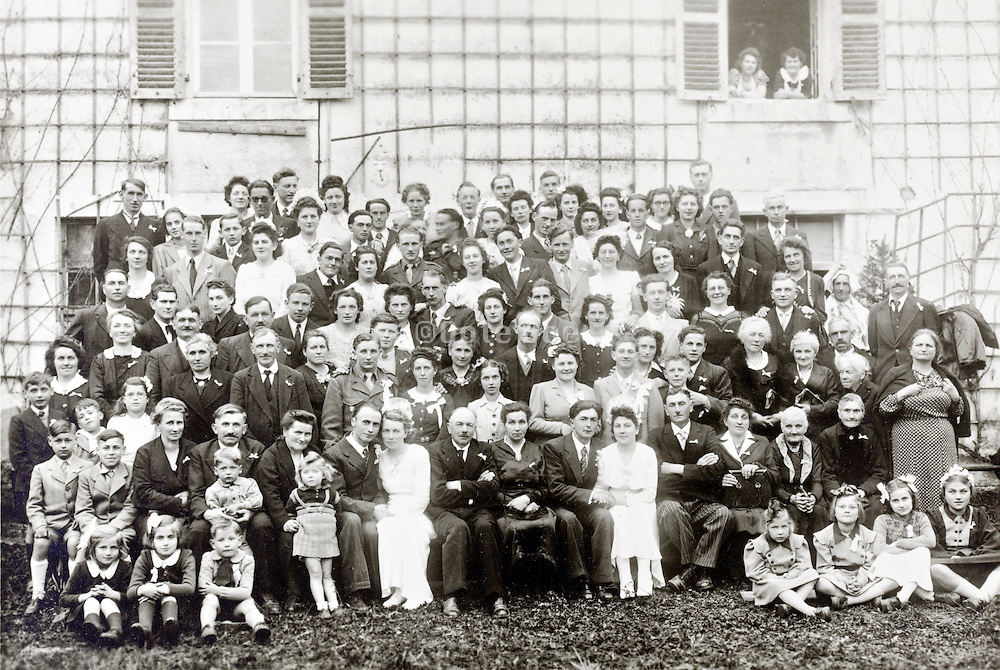 large group family portrait 1940s France
