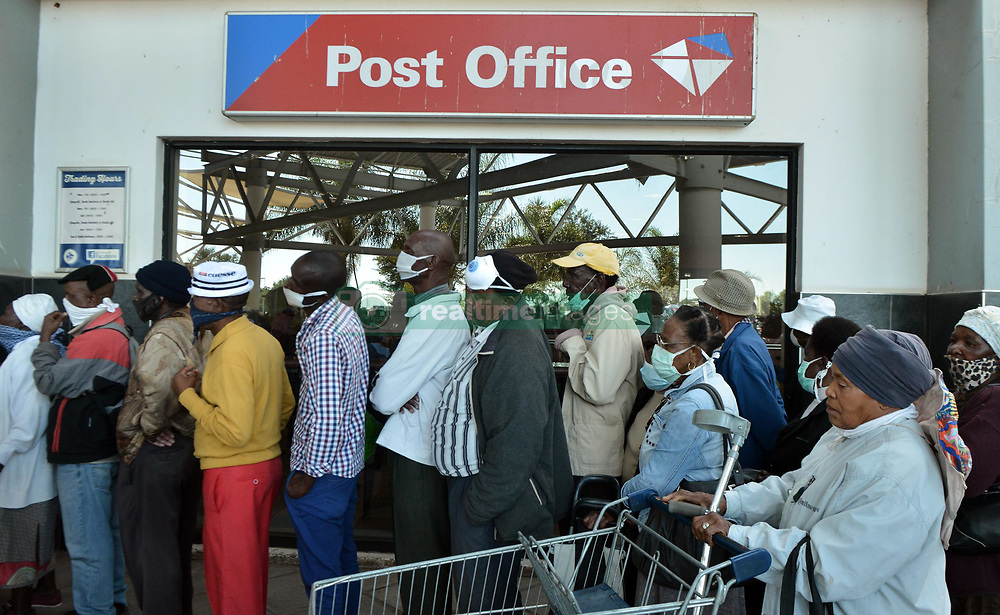 South Africa - Coronavirus - Pretoria - 04 May 2020 -  Ga-Rankuwa City crowded with mostly Sasa grant  beneficiaries to receive their pensions.<br /> Picture: Oupa Mokoena/African News Agency (ANA)