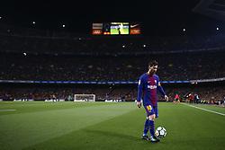 May 6, 2018 - Barcelona, Catalonia, Spain - May 6, 2018 - Camp Nou, Barcelona, Spain - LaLiga Santander- FC Barcelona v Real Madrid CF; Leo Messi of FC Barcelona controls the ball before kicks a corner. (Credit Image: © Marc Dominguez via ZUMA Wire)
