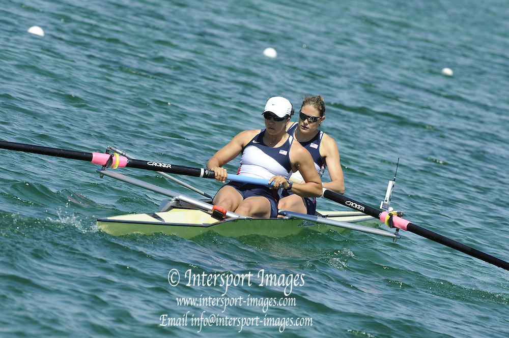 Munich, GERMANY, USA W2-, Bow Suszanna FRANCIA and Anna GOODDALE, during the FISA World Cup at the Munich Olympic Rowing Course, Thur's.  08.05.2008  [Mandatory Credit Peter Spurrier/ Intersport Images] Rowing Course, Olympic Regatta Rowing Course, Munich, GERMANY