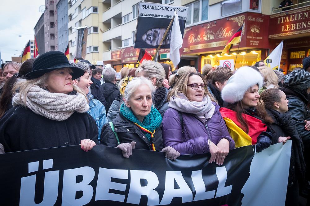 Germany - Deutschland - AFD - Pegida , Marsch der Frauen, Berlin; ca 800 Menschen, Männer und Frauen aus dem Umfeld von AFD; Pegida und Rechtsextremen protestieren gegen Flüchtlinge, Islamisierung und gegen die Unsicherheit von Frauen; Protest gegen Merkel; HERE: rightwing nationalists from AFD, Pegida at a socalled Women March in the centre of Berlin, protest against refugees, Islamisation and Angela Merkel; Berlin, 17.02.2018; © Christian Jungeblodt