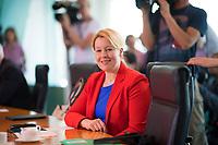 DEU, Deutschland, Germany, Berlin, 30.05.2018: Bundesfamilienministerin Dr. Franziska Giffey (SPD) vor Beginn der 11. Kabinettsitzung im Bundeskanzleramt.