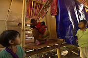 Shangai ngut n na tsirung hta 6 ya hpring sai majaw tsirung na yu hkrun sai kanu hte kanau hpe sa la nga ai kana yen.Jeyang IDP camp,laiza Kachin State