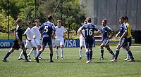 Fussball  FIFA Training 10.08.2013 Symbolbild, Team beim Dehnen und Aufwaermen