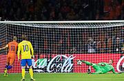 AMSTERDAM, NEDERL&Auml;NDERNA - 2017-10-10: Arjen Robben g&ouml;r 1-0 p&aring; straff under FIFA 2018 World Cup Qualifier mellan Nederl&auml;nderna och Sverige p&aring; Amsterdam ArenA den 10 oktober, 2017 i Amsterdam, Nederl&auml;nderna. <br /> Foto: Nils Petter Nilsson/Ombrello<br /> ***BETALBILD***