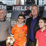 NLD/Amsterdam/20150202 - Presentatie sportblad Helden 25, Guus Hiddink