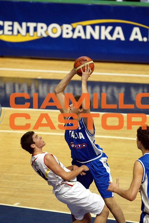 DESCRIZIONE : Belgrado Campionato Europeo Maschile Under 18 <br /> GIOCATORE : Gallinari <br /> SQUADRA : Italia Under 18 <br /> EVENTO : Campionato Europeo Maschile Under 18 <br /> GARA : Italia Spagna <br /> DATA : 24/07/2005 <br /> CATEGORIA : <br /> SPORT : Pallacanestro <br /> AUTORE : Agenzia Ciamillo-Castoria