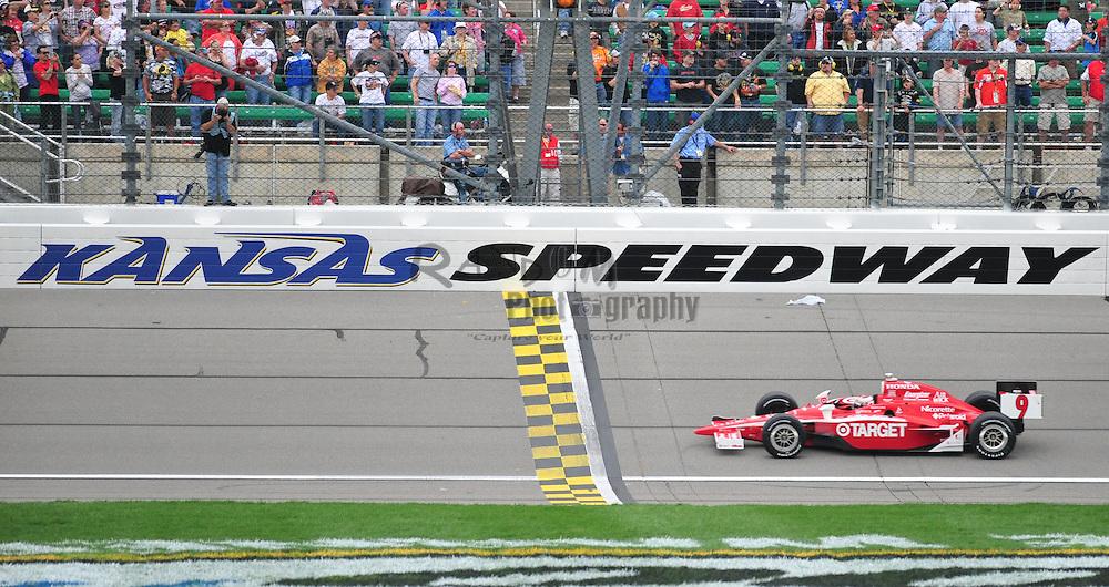 Sunday, April 26, 2009, in Kansas City, Kan. (AP Photo/Denny Medley)