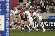 EDF Energy Cup,  Quins, Tom WILLIAMS, looks fro support, during the NEC Harlequins vs Sale Sharks match at the Stoop Stadium, Twickenham. 07/10/2006 . [Photo, Peter Spurrier/Intersport-images]..