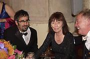 David Baddiel and Beryl Bainbridge. Booker prize. Guildhall, London. 17 October 2001. © Copyright Photograph by Dafydd Jones 66 Stockwell Park Rd. London SW9 0DA Tel 020 7733 0108 www.dafjones.com