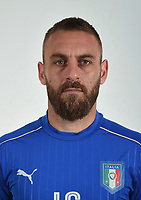 FLORENCE, ITALY - JUNE 01:  Daniele De Rossi of Italy poses for a photo ahead of the UEFA Euro 2016 at Coverciano on June 1, 2016 in Florence, Italy.  Foto Claudio Villa/FIGC Press Office/Insidefoto