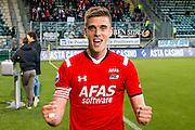 DEN HAAG - 21-04-2016, ADO Den Haag - AZ, Kyocera Stadion, 1-2, AZ speler Markus Henriksen na afloop, juichen, juicht.