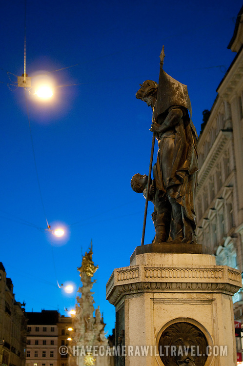 Viennese statues by night