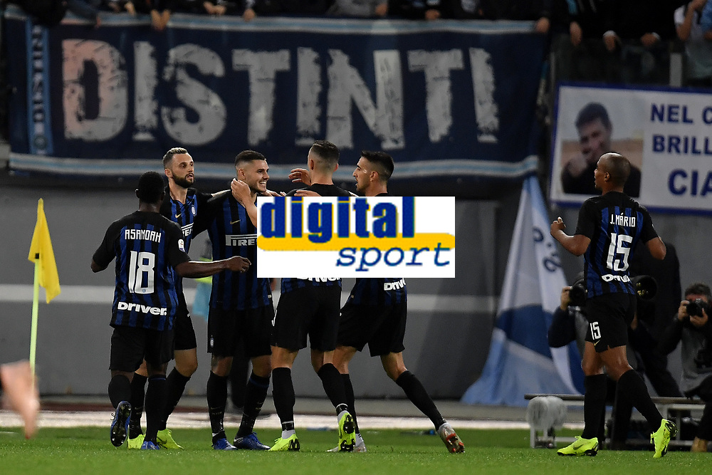 Mauro Icardi of Internazionale (3L) celebrates with team mates after scoring a goal during the Serie A 2018/2019 football match between SS Lazio and FC Internazionale at stadio Olimpico, Roma, October, 29, 2018 <br />  Foto Andrea Staccioli / Insidefoto