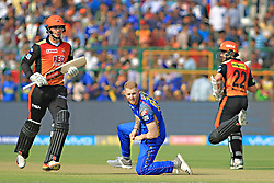 April 29, 2018 - Jaipur, Rajasthan, India - Sunrisers  Hyderabad batsman Kane Williamson and Alex Hales running between the wicket during the IPL T20 match against Rajasthan Royals at Sawai Mansingh Stadium in Jaipur on 29th April,2018. (Credit Image: © Vishal Bhatnagar/NurPhoto via ZUMA Press)