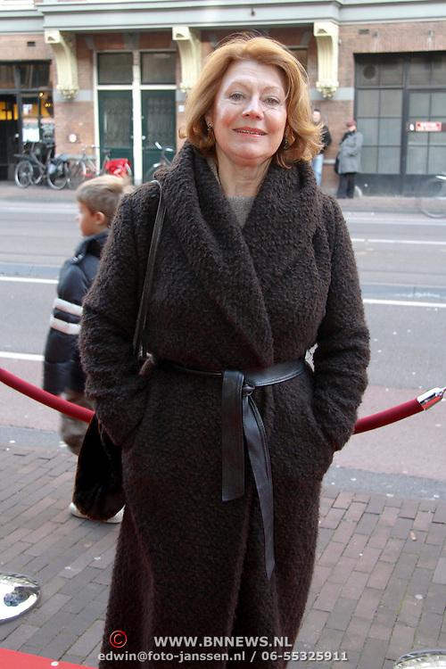 NLD/Amsterdam/20111117 - Inloop Bennie Stout in premiere voor Sinterklaas, Bruni Heinke