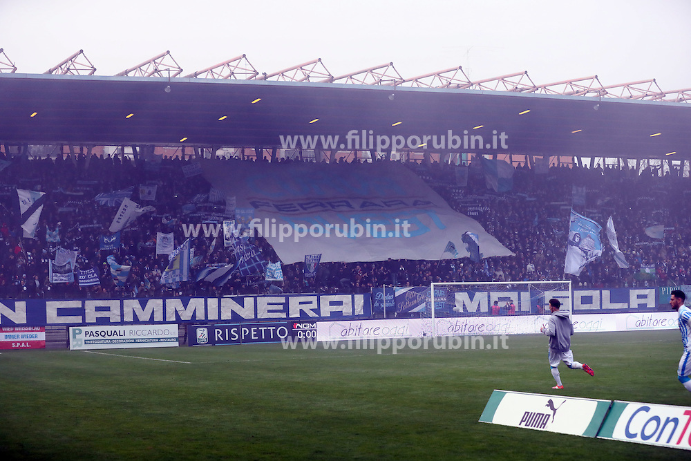 "Foto Filippo Rubin<br /> 10/12/2016 Ferrara (Italia)<br /> Sport Calcio<br /> Spal vs Spezia - Campionato di calcio Serie B ConTe.it 2016/2017 - Stadio ""Paolo Mazza""<br /> Nella foto: I TIFOSI DELLA SPAL<br /> <br /> Photo Filippo Rubin<br /> December 10, 2016 Ferrara (Italy)<br /> Sport Soccer<br /> Spal vs Spezia - Italian Football Championship League B ConTe.it 2016/2017 - ""Paolo Mazza"" Stadium <br /> In the pic: SPAL'S FANS"