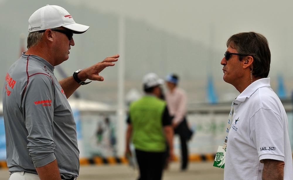 Peter Gilmour talking with Skip Lissman, the Korea Match Cup Event Director. Photo:Chris Davies/WMRT
