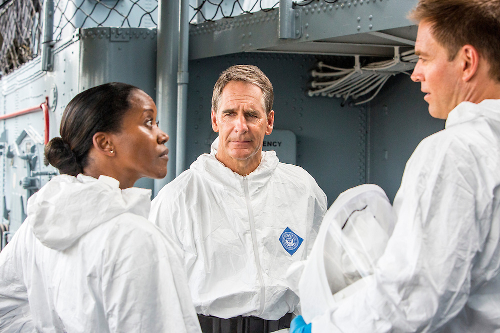 "Erika Alexander as Navy Commander Louanne Bates, Scott Bakula as Special Agent Dwayne Pride, and Michael Weatherly as NCIS Special Agent Tony DiNozzo in CBS's ""NCIS: New Orleans"" Season 1"