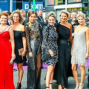 NLD/Amsterdam/20180616 - 26ste AmsterdamDiner 2018, Anouk van Nes, Anouska Wink en vriendinnen