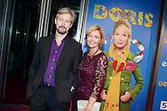 AMSTERDAM - In de DeLaMar Theater is de rode loper uitgelegd voor 'Doris'. Met hier op de foto  Roos Ouwehand (R) met ???. FOTO LEVIN DEN BOER - PERSFOTO.NU