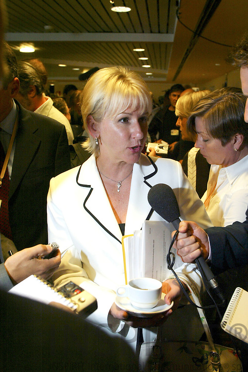 BRUSSELS - BELGIUM  -20 AUGUST 2004--Informal meeting of the Barroso Commission--Margot WALLSTROEM (Wallstrom, Wallström), Vice President and Swedish Commissioner for Institutional Relations and Communication Strategy talking to journalists.--PHOTO: ERIK LUNTANG / INSPIRIT