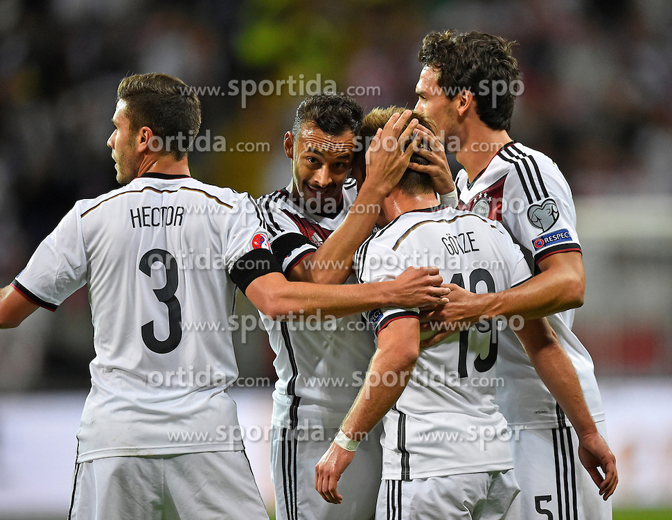04.09.2015, Commerzbank Arena, Frankfurt, GER, UEFA Euro Qualifikation, Deutschland vs Polen, Gruppe D, im Bild TOR 2:0 durch Mario Goetze (GER) mit Mats Hummels (GER) hinten und Karim Bellarabi (GER) Jonas Hector (GER) // during the UEFA EURO 2016 qualifier Group D match between Germany and Poland at the Commerzbank Arena in Frankfurt, Germany on 2015/09/04. EXPA Pictures &copy; 2015, PhotoCredit: EXPA/ Eibner-Pressefoto/ Weber<br /> <br /> *****ATTENTION - OUT of GER*****