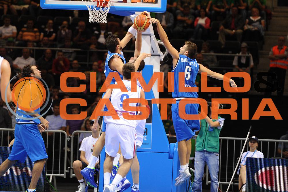 DESCRIZIONE : Siauliai Lithuania Lituania Eurobasket Men 2011 Preliminary Round Serbia Italia Serbia Italy<br /> GIOCATORE : Andrea Bargnani Stefano Mancinelli<br /> SQUADRA : Italia Italy<br /> EVENTO : Eurobasket Men 2011<br /> GARA : Serbia Italia Serbia Italy<br /> DATA : 31/08/2011 <br /> CATEGORIA : stoppata<br /> SPORT : Pallacanestro <br /> AUTORE : Agenzia Ciamillo-Castoria/G.Ciamillo<br /> Galleria : Eurobasket Men 2011 <br /> Fotonotizia : Siauliai Lithuania Lituania Eurobasket Men 2011 Preliminary Round Serbia Italia Serbia Italy<br /> Predefinita :