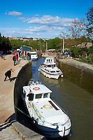 France, departement de Herault (34), Beziers, Canal du Midi, Patrimoine mondial de l'UNESCO, 7 ecluses de Fonserannes // France, Herault department, Beziers (34), near 7 lock of Fonserannes, Canal du Midi, World heritage of the UNESCO
