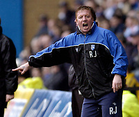 Photo: Olly Greenwood.<br />Gillingham v Swansea City. Coca Cola League 1. 25/03/2006. Gillingham manager Ronnie Jepson.