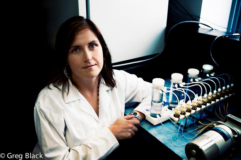 Laura Flynn lab researching stem cell regeneration