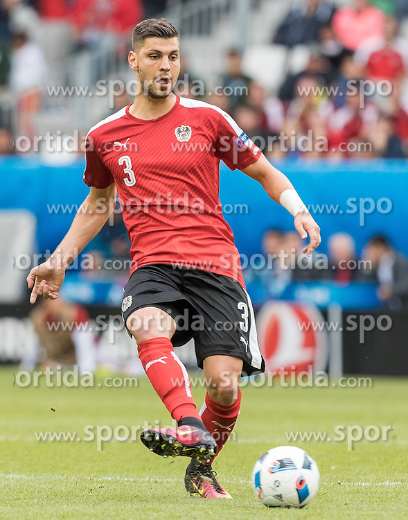 14.06.2016, Stade de Bordeaux, Bordeaux, FRA, UEFA Euro, Frankreich, Oesterreich vs Ungarn, Gruppe F, im Bild Aleksandar Dragovic (AUT) // Aleksandar Dragovic (AUT) during Group F match between Austria and Hungary of the UEFA EURO 2016 France at the Stade de Bordeaux in Bordeaux, France on 2016/06/14. EXPA Pictures © 2016, PhotoCredit: EXPA/ JFK