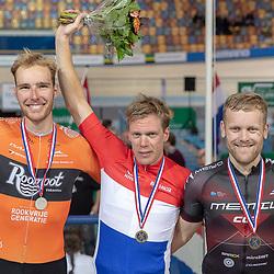 28-12-2018: Wielrennen: NK Baan: Apeldoorn<br /> Wim Stroetinga pakt in Apeldoorn de titel op de Scratch voor Jan Willem van Schip en Roy Eeftink