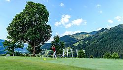 THEMENBILD - Abschlag am Golfclub Eichenheim, aufgenommen am 04. Juli 2017, Kitzbühel, Österreich // Tee off at the Golfclub Eichenheim in Kitzbühel, Austria on 2017/07/04. EXPA Pictures © 2017, PhotoCredit: EXPA/ Stefan Adelsberger