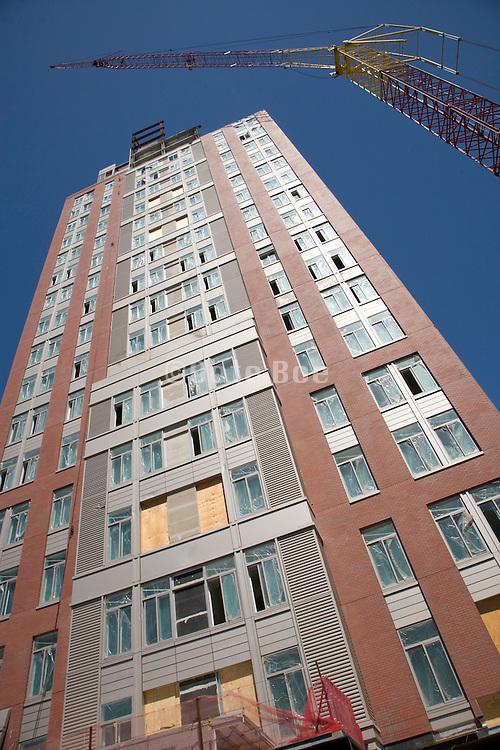 new condo building under construction New York Brooklyn dumbo