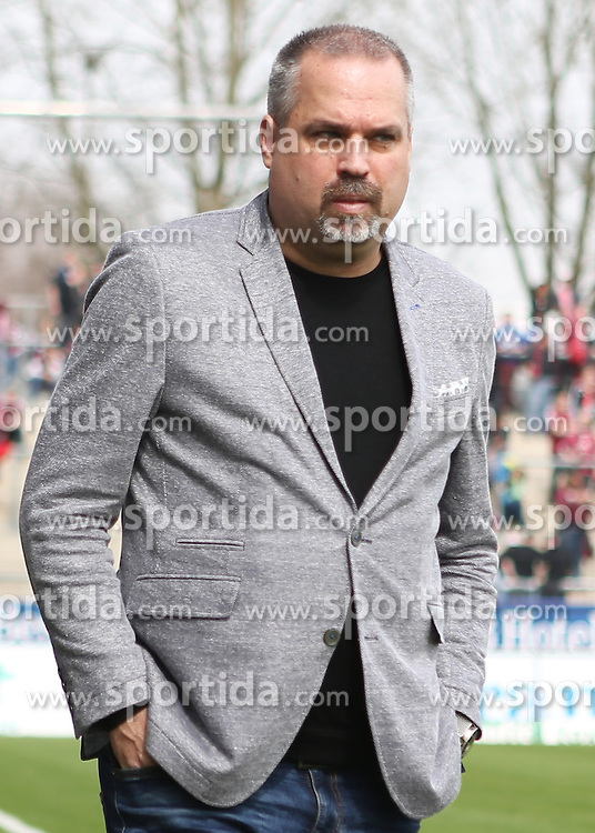 03.04.2016, Volksbank Stadion, Frankfurt, GER, 2. FBL, FSV Frankfurt vs 1. FC Nuernberg, 28. Runde, im Bild v.l.Manager Clemens Krueger (FSV Frankfurt) // during the 2nd German Bundesliga 28th round match between FSV Frankfurt and 1. FC Nuernberg at the Volksbank Stadion in Frankfurt, Germany on 2016/04/03. EXPA Pictures &copy; 2016, PhotoCredit: EXPA/ Eibner-Pressefoto/ Voelker<br /> <br /> *****ATTENTION - OUT of GER*****