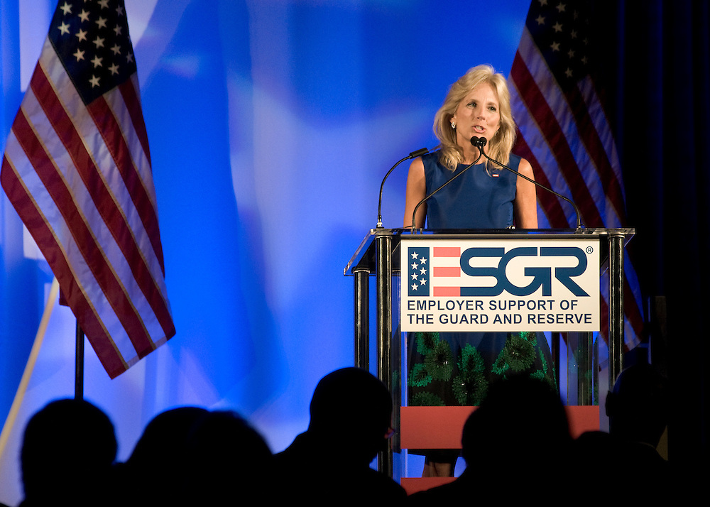 DISTRICT OF COLUMBIA: September 17, 2009 - Blue Star Mother and America's Second Lady Dr. Jill Biden recognizes recipients of the 2009 Secretary of Defense Employer Support Freedom Award. Award recipients include 15 organizations from across the nation who provide exemplary support of their Guard and Reserve employees.  Photo by Johnny Bivera