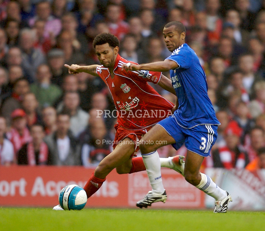 Liverpool, England - Sunday, August 19, 2007: Liverpool's Jermaine Pennant and Chelsea's Ashley Cole during the Premiership match at Anfield. (Photo by David Rawcliffe/Propaganda)