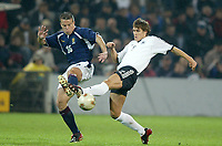 Fotball<br /> EM-kvalifisering<br /> 10.09.2003<br /> Tyskland v Skottland<br /> NORWAY ONLY<br /> Foto: Digitalsport<br /> <br /> FOOTBALL - EURO 2004 - ELIMINATORIES ROUND - GROUP 5 - GERMANY v SCOTLAND - 030910 - GAVIN RAE (SCO) / SEBASTIAN KEHL (GER) - PHOTO JEAN MARIE HERVIO