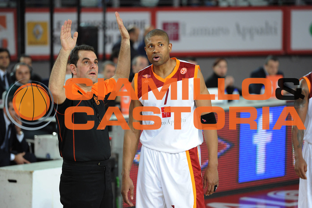 DESCRIZIONE : Roma Eurolega 2010-11 Top 16 Lottomatica Virtus Roma Regal Barcelona Barcellona<br /> GIOCATORE : Referee<br /> SQUADRA : Lottomatica Virtus Roma <br /> EVENTO : Eurolega 2010-2011<br /> GARA : Lottomatica Virtus Roma Regal Barcelona Barcellona Barcelona<br /> DATA : 17/02/2011<br /> CATEGORIA : <br /> SPORT : Pallacanestro <br /> AUTORE : Agenzia Ciamillo-Castoria/ElioCastoria<br /> Galleria : Eurolega 2010-2011<br /> Fotonotizia : Roma Eurolega 2010-11 Top 16 Lottomatica Virtus Roma Regal Barcelona Barcellona<br /> Predefinita :