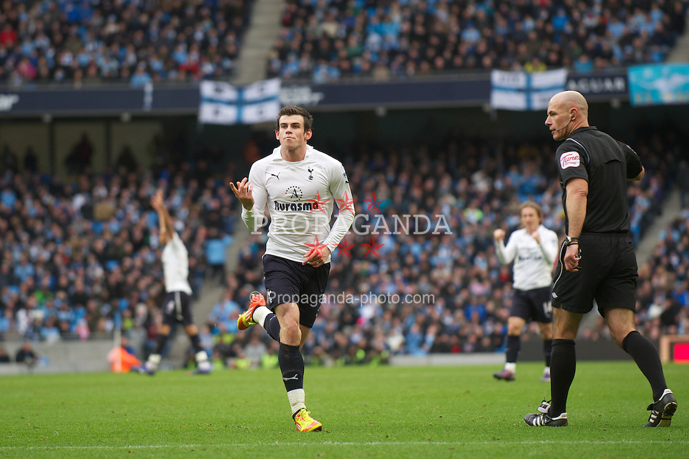 MANCHESTER, ENGLAND - Sunday, January 22, 2011: Tottenham Hotspur's Gareth Bale celebrates scoring his side's first goal against Manchester City during the Premiership match at the City of Manchester Stadium. (Pic by David Rawcliffe/Propaganda)