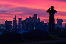 2018-01-02 SWNS-Dawn breaks over London