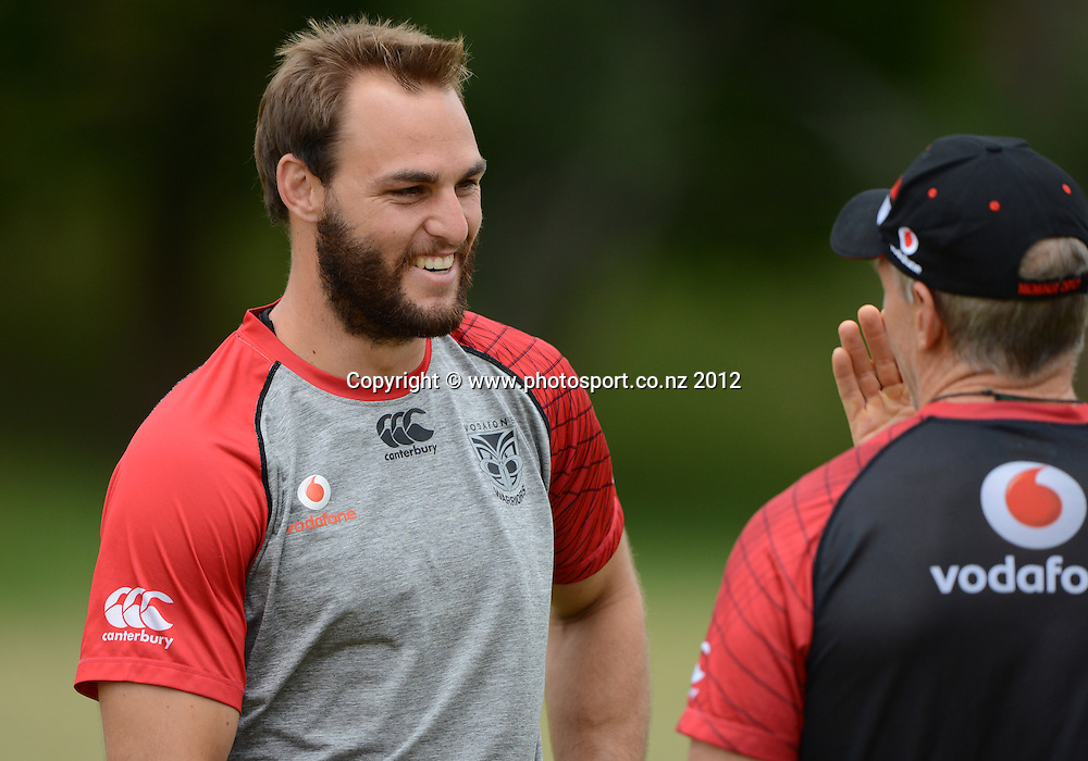 Coach Matthew Elliott and Simon Mannering. NRL Rugby League. Vodafone Warriors pre season training session at One Tree Hill, Auckland, New Zealand on Thursday 20 December 2012. Photo: Andrew Cornaga/photosport.co.nz