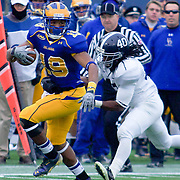 Delaware WR (#19) Nihja White catches pass for 15 yards to the Georgia Southern 24, 1ST DOWN DELAWARE. No. 3 Delaware defeats Georgia Southern 27-10 on a cold Saturday afternoon at Delaware stadium in Newark Delaware...Delaware will head to Texas for the Division I FCS National Championship Game Vs Eastern Washington eagles who defeated Villanova 41-31 friday night in Washington.