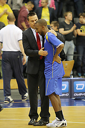 01.11.2014, EWE Arena, Oldenburg, GER, Beko Basketball BL, EWE Baskets Oldenburg vs Basketball Löwen Braunschweig, 7. Runde, im Bild Dru Joyce (Braunschweig) wird von seinem Trainer Raoul Korner getroestet //  during the Beko Basketball Bundes league 7th round match between EWE Baskets Oldenburg vs Basketball Lions Braunschweig at the EWE Arena in Oldenburg, Germany on 2014/11/01. EXPA Pictures © 2014, PhotoCredit: EXPA/ Eibner-Pressefoto/ Hibbeler<br /> <br /> *****ATTENTION - OUT of GER*****