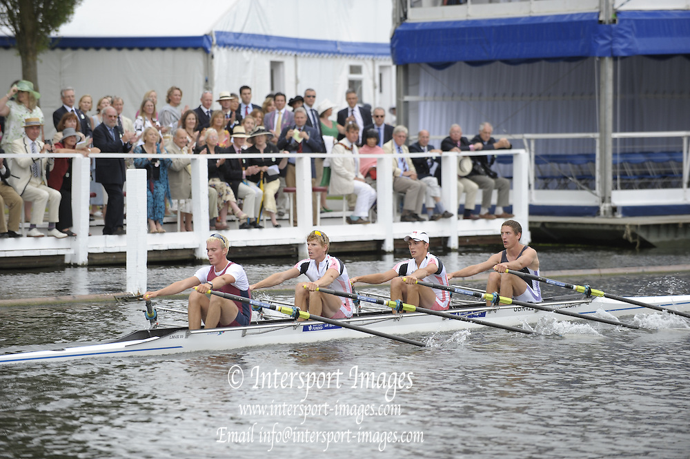 Henley, Great Britain.  Durham University and Oxford Brookes University.  in the closing stages of their heat in the Prince of Wales Challenge Cup  2009 Henley Royal Regatta Friday 03/07/2009 at  [Mandatory Credit. Peter Spurrier/Intersport Images] . HRR.
