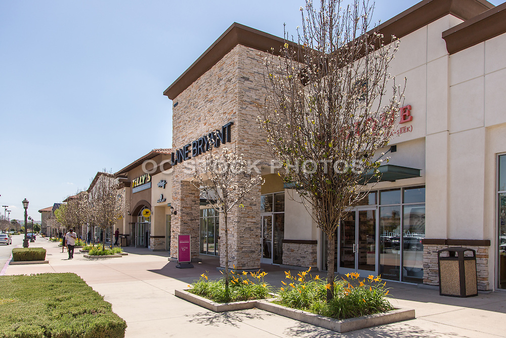 Retail Shopping Center in Glendora